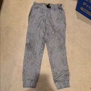 Lululemon black and white speckled sweats
